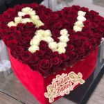 Коробка из 101 розы с надписями